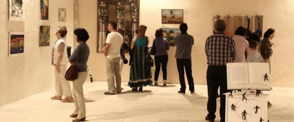 """Οι """"Ημέρες Ρεθύμνου"""" είναι ένας κύκλος εκδηλώσεων πολιτισμού και καλλιτεχνικής δημιουργίας, με επίκεντρο το Ιστορικό Κέντρο της πόλης και με σκοπό να αναδείξει την ιστορική φυσιογνωμία και την πολιτιστική παράδοση της πόλης αξιοποιώντας το καλλιτεχνικό του δυναμικό."""